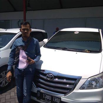 Sewa Mobil Akhir Pekan di Bali